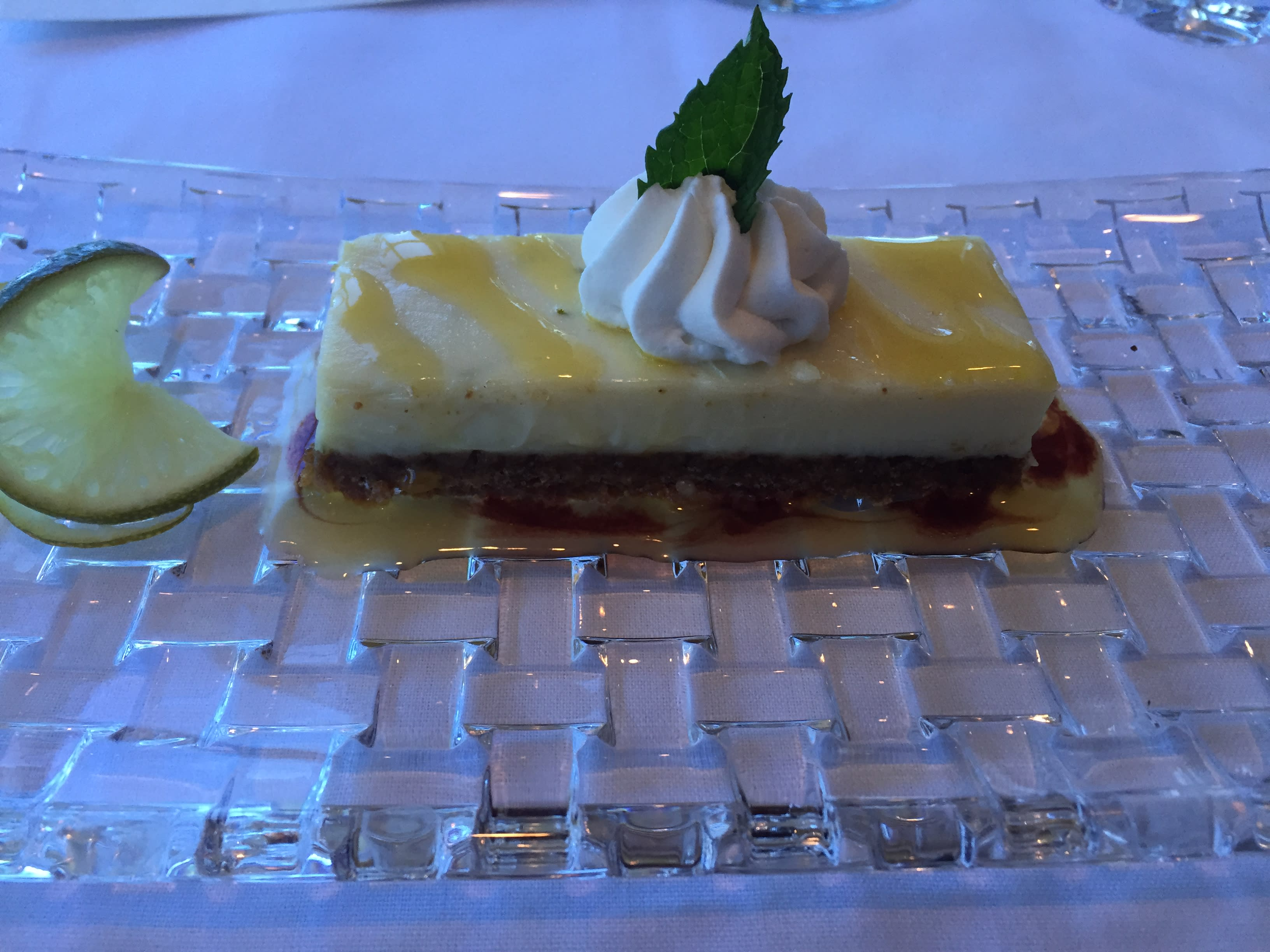 Dauphins Restaurant 4 CR Visit Mobile