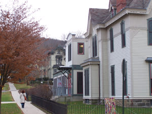 171 Cedar Arts Center, Corning