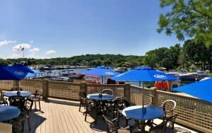 waterfront_outside_dining_harbor_800x500