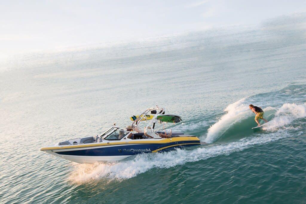 LakeGeneva_ThingstoDoWithKids_Boating