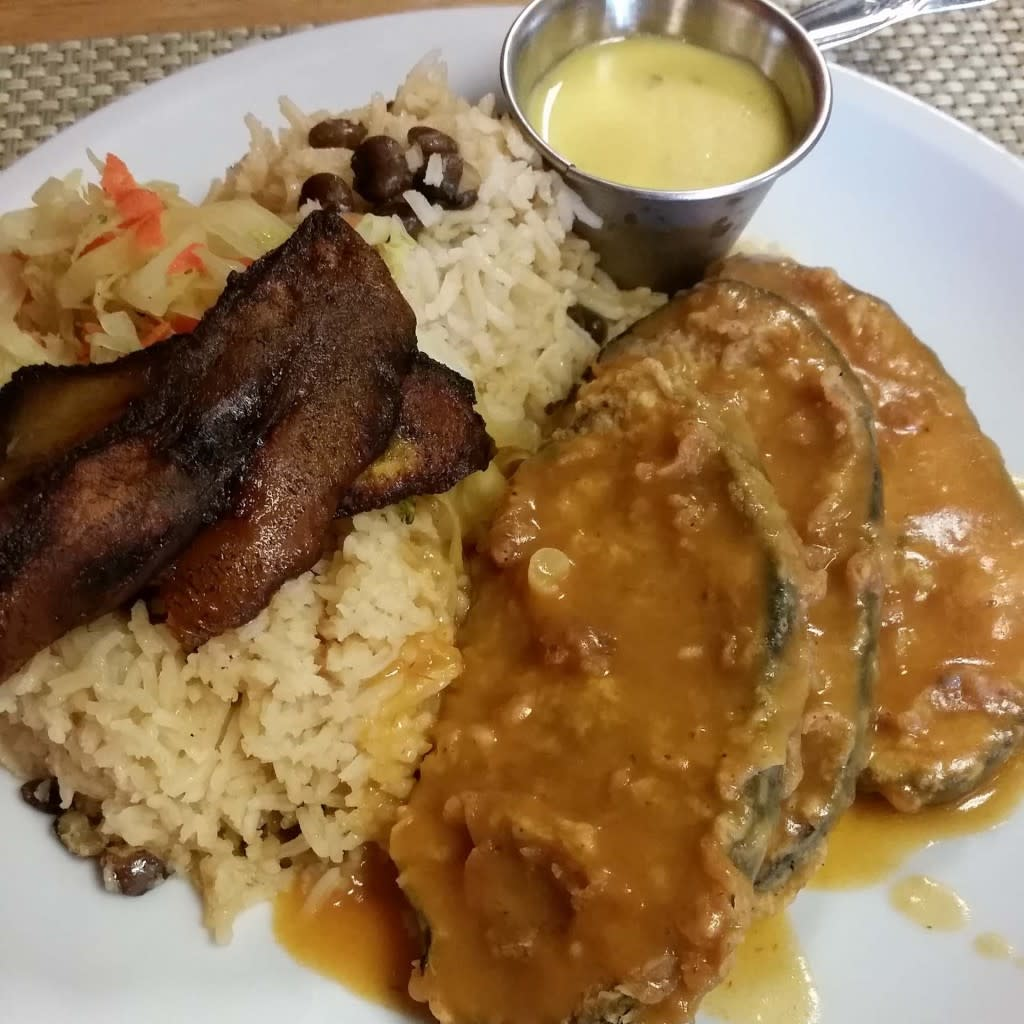 Mangos Caribbean Restaurant in Huntsville, Alabama via iHeartHsv.com