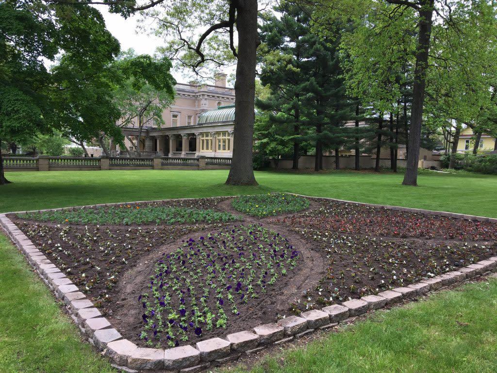 Ruthmere Quilt Garden