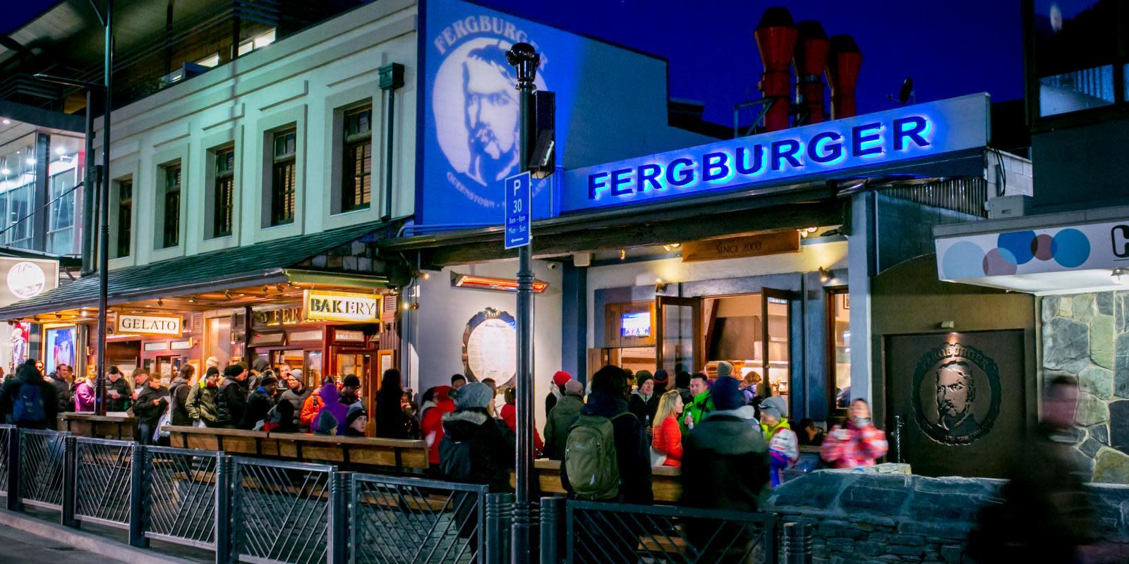 Fergburger at night