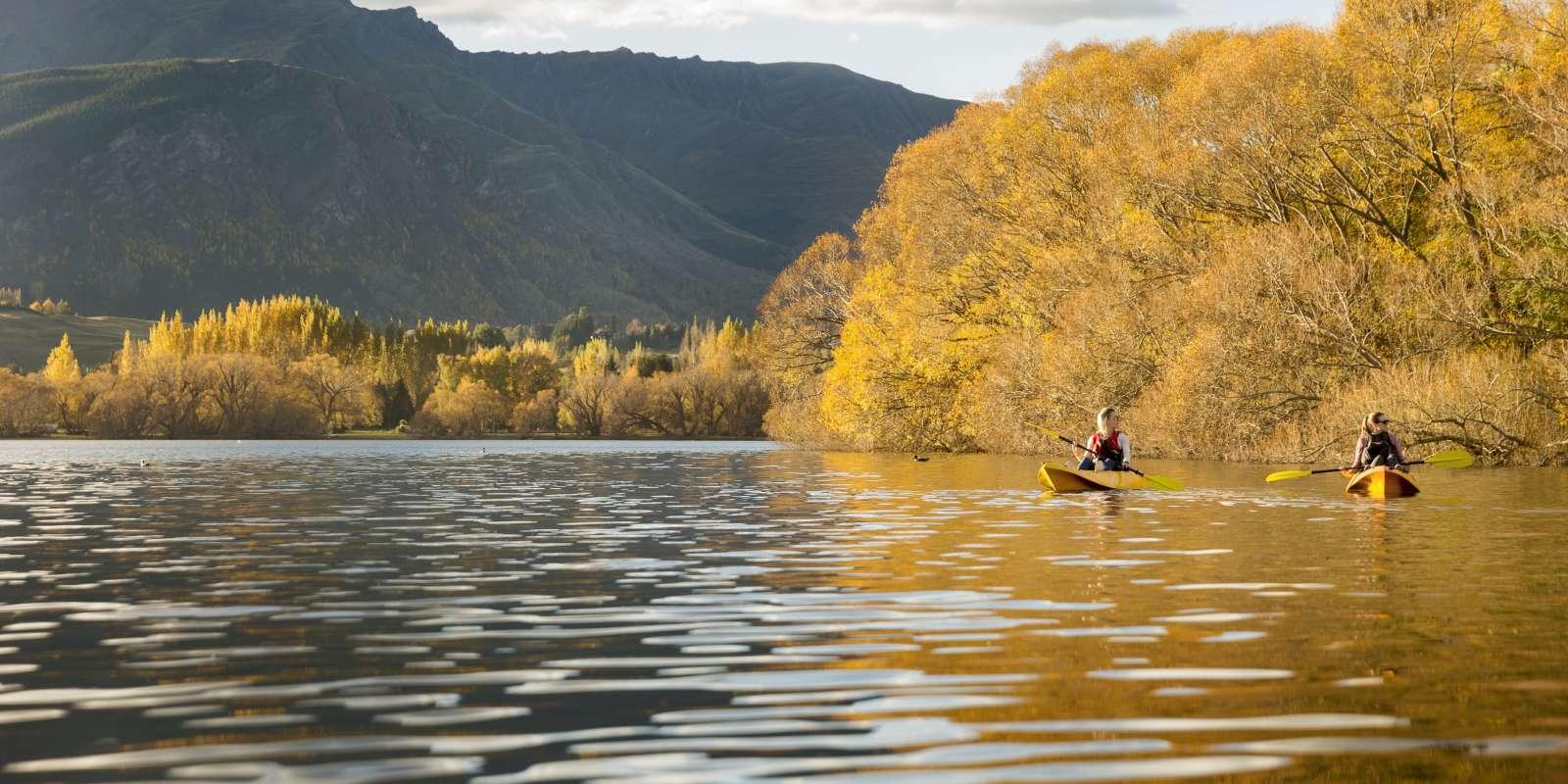 Kayaking Lake Hayes in Autumn