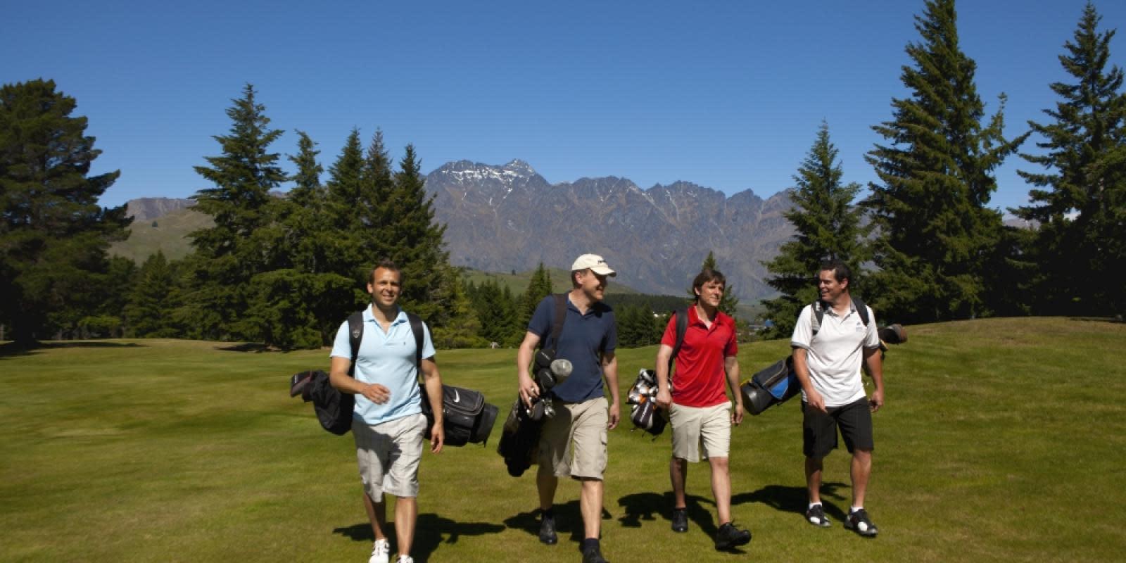 golf queenstown stag do