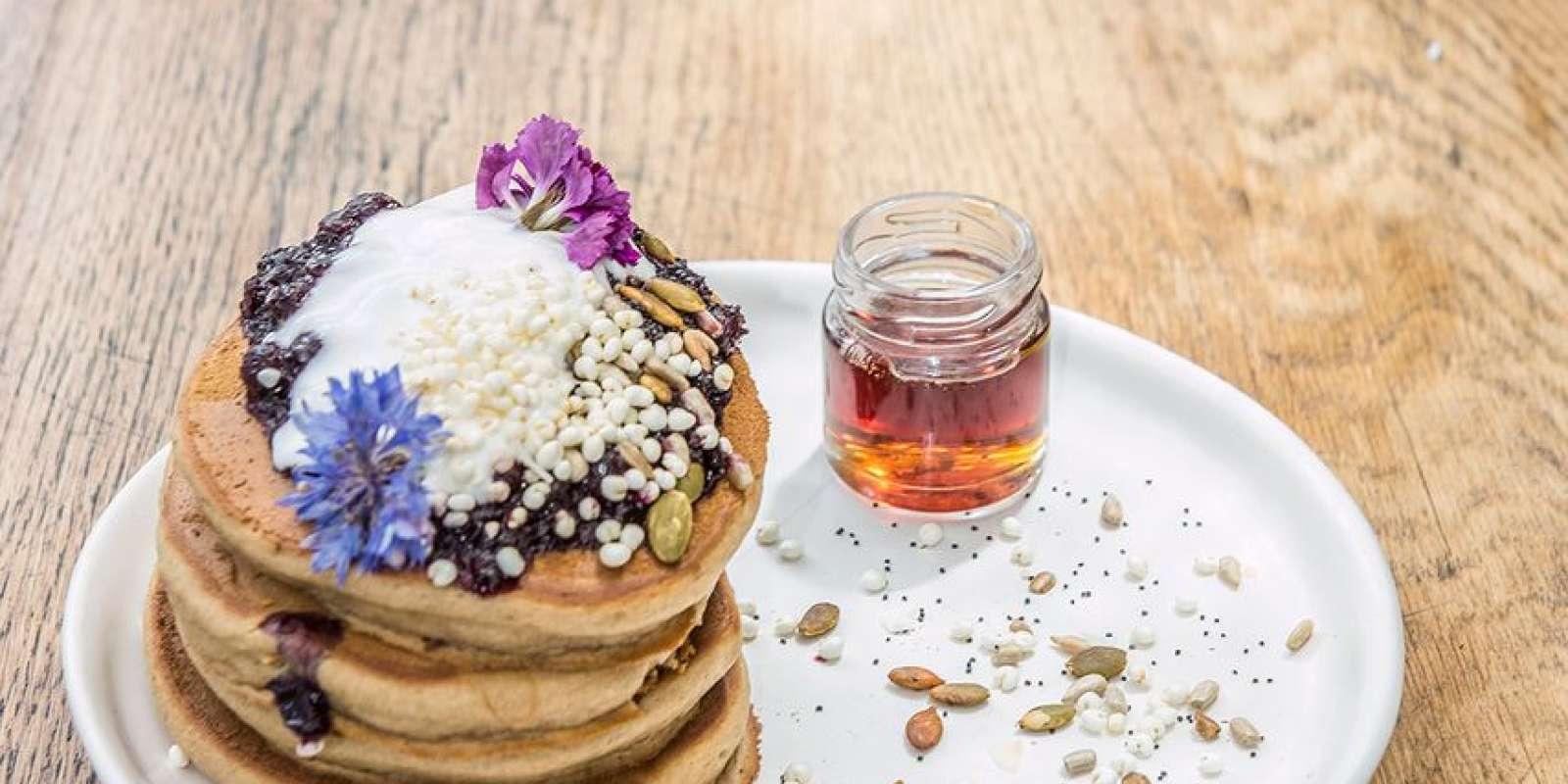 Vegan pancakes for brunch at Yonder Cafe, Queenstown