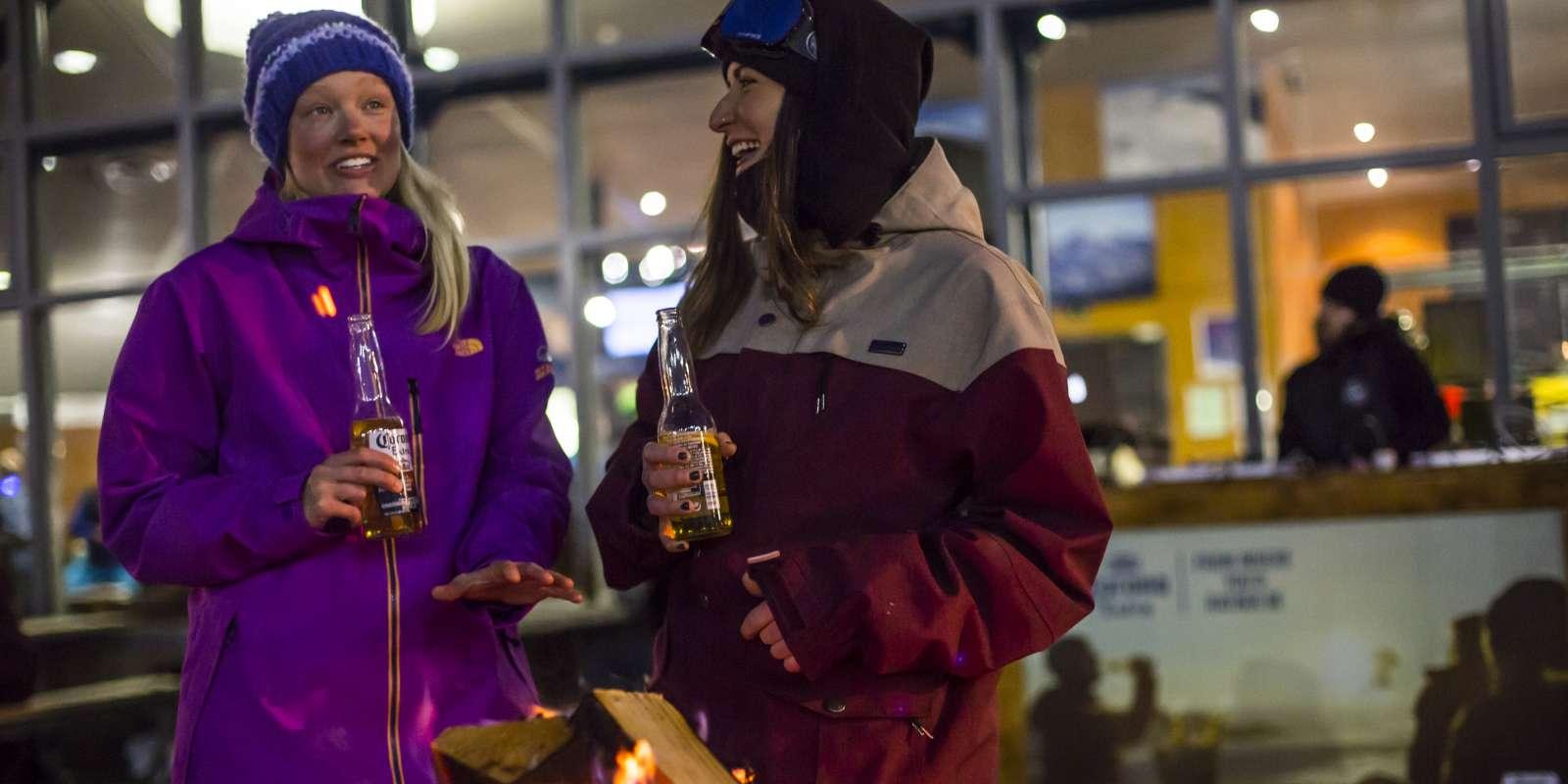 Coronet Peak night ski and beverages