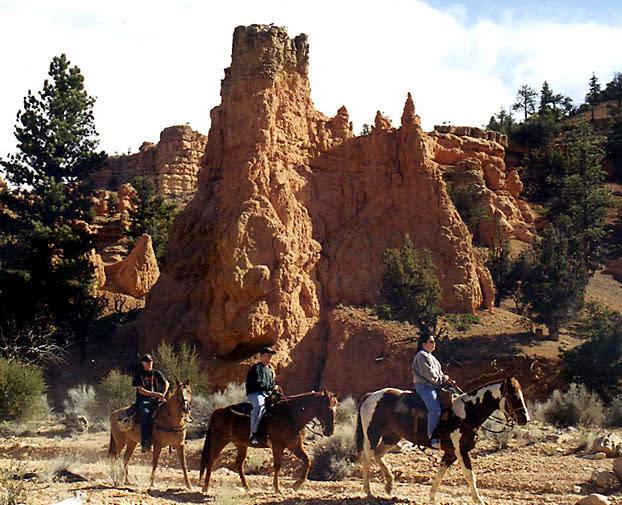 Horseback riding - Bryce Canyon
