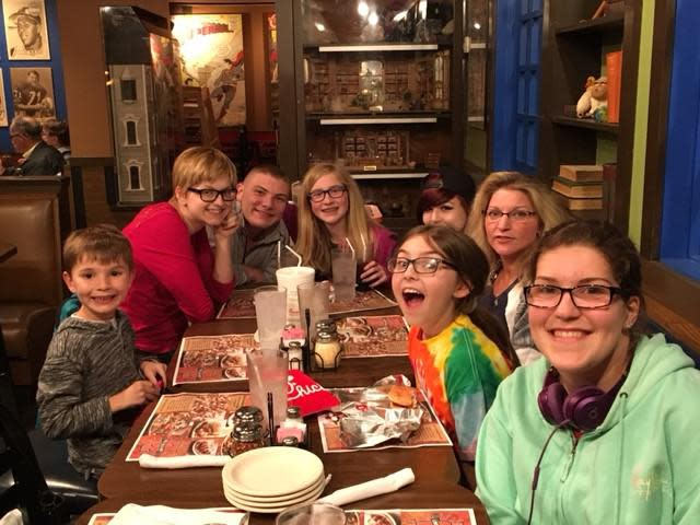 After a long day of yard work at grandma and grandpas we headed to Arni's with our cousins. Our server was great and was able to keep up with the demands of a 15 top.....lots of pizza was consumed!