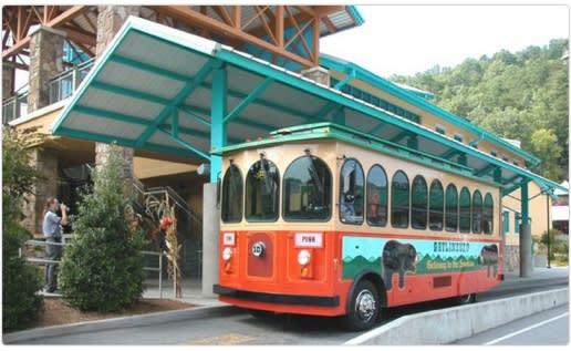 Gatlinburg, TN trolley, visit Gatlinburg, things to do in Gatlinburg