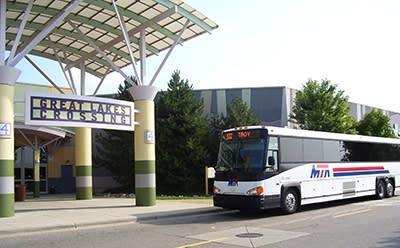 MTA Bus at Great Lakes Crossings