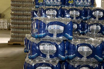 Flint & Genesee Chamber of Commerce offers bottled water to businesses in Flint, Michigan affected by water emergency