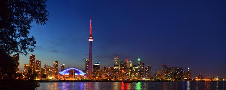 night-skyline-toronto-island