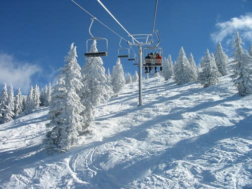 Hitch a ride to the top, and glide through the scenery to the bottom at Ski Santa Fe.