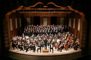 The Santa Fe Symphony and Chorus fills the stage at the Lensic. (Photo Credit: Santa Fe Symphony and Chorus)