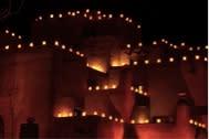 Farolitos make Santa Fe architecture even more picturesque. (Photo courtesy of Thad Roan.)
