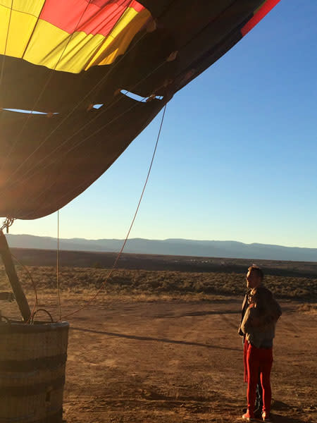 Chris and Britt's chemistry took flight on an early morning balloon adventure. (Photo Credit: ABC)