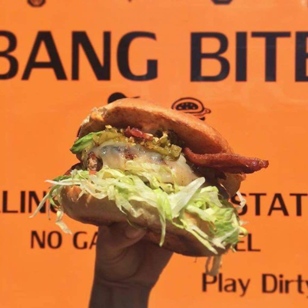 Bite into Bang Bite's green chile cheeseburger. Bang Bite delicious! (Courtesy of Simply Santa Fe)