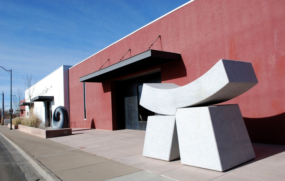 Sculptures adorn the sidewalk outside the William Siegal Gallery. Photo courtesy of MarkKane.net