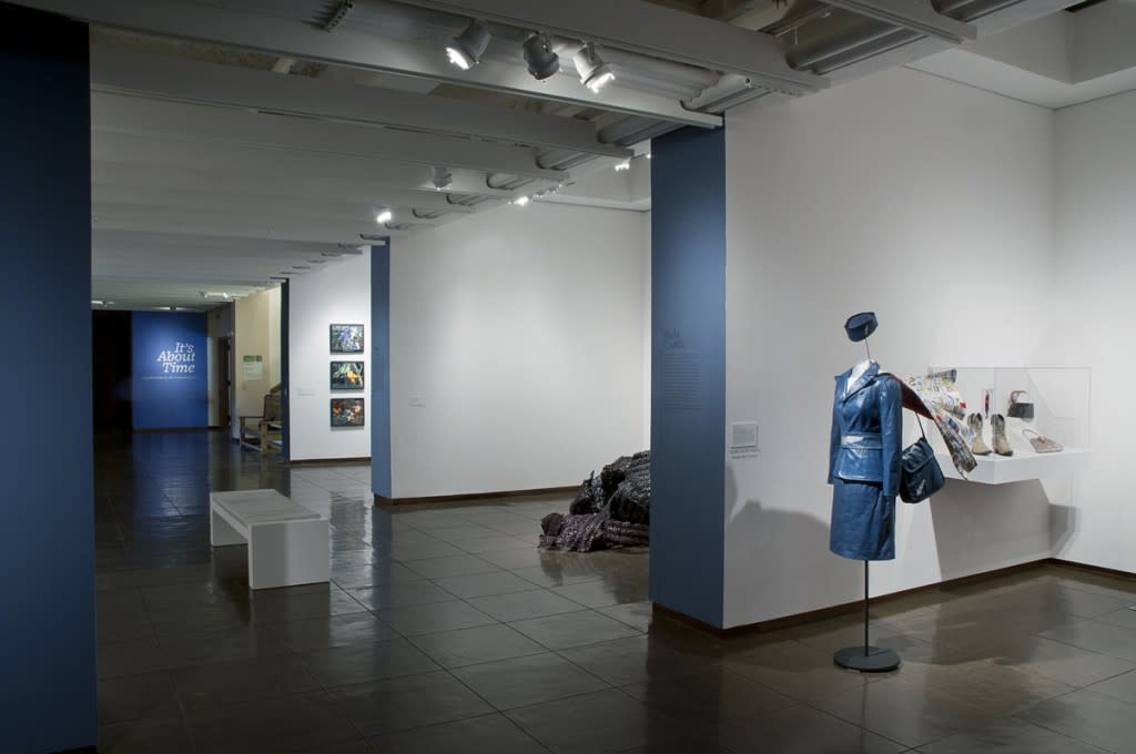 An alcove show from 2004 (Photo courtesy of New Mexico Museum of Art)