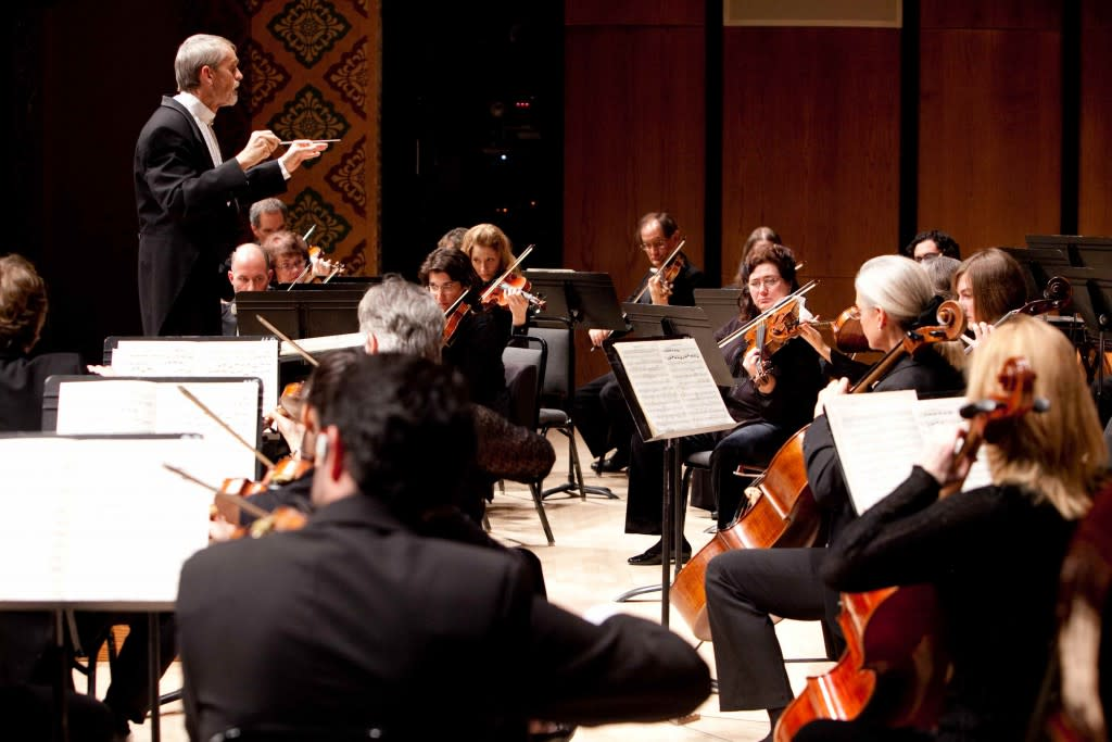 Santa Fe Pro Musica brings together outstanding musicians to inspire and educate audiences of all ages through the performance of great music.