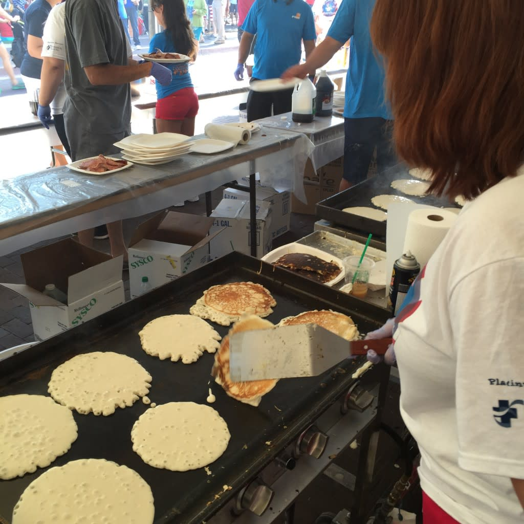 Make sure to have breakfast on the plaza on the 4th! (Photo courtesy of TOURISM Santa Fe)