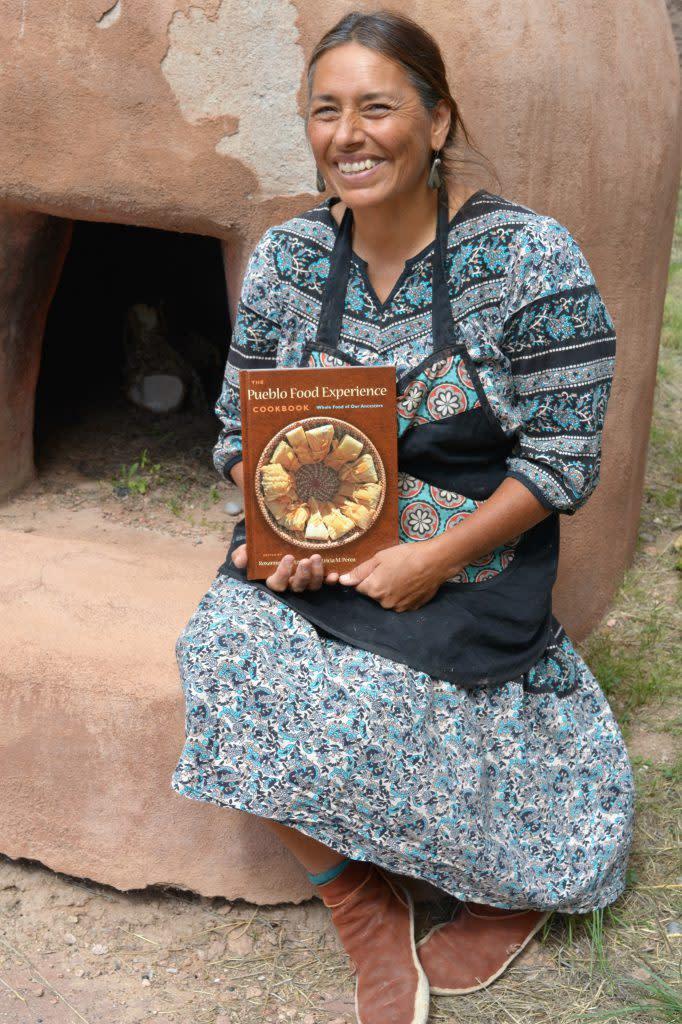 pueblo-book