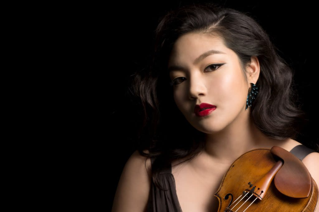Critically acclaimed violinist Jinjoo Cho has established herself as one of the most vibrant, engaging and charismatic violinists of her generation. Photo courtesy of Diamond Artists International Management