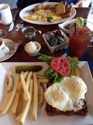 Carrols-Creek-Cafe