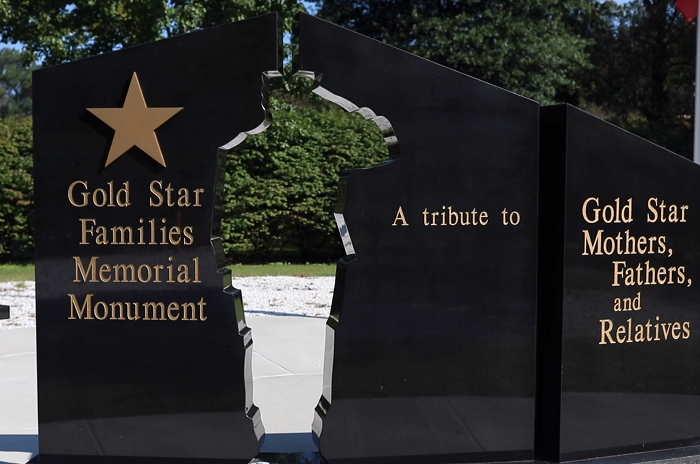 Visit the Maryland WWII Memorial in Annapolis