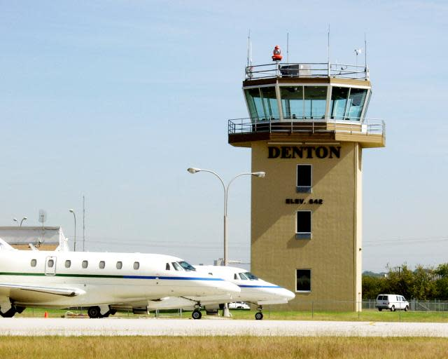 airport_airplane___tower_2_w640