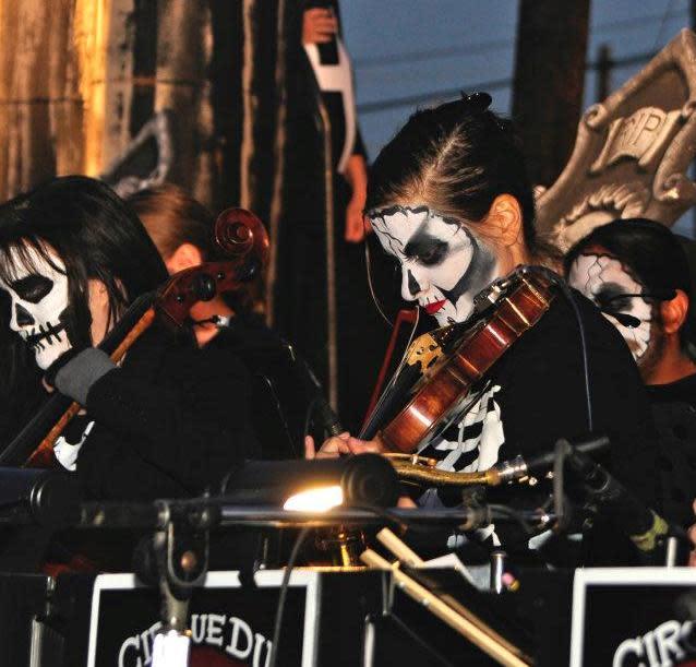 Denton's Day of the Dead musicians