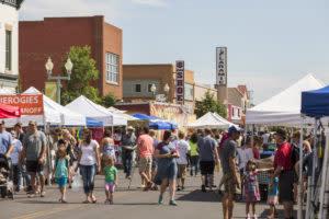 Crowd at Laramie Farmers Market