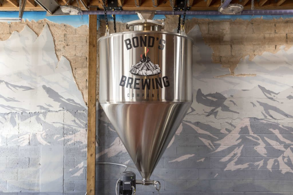 Mural and tank at Bond's Brewing