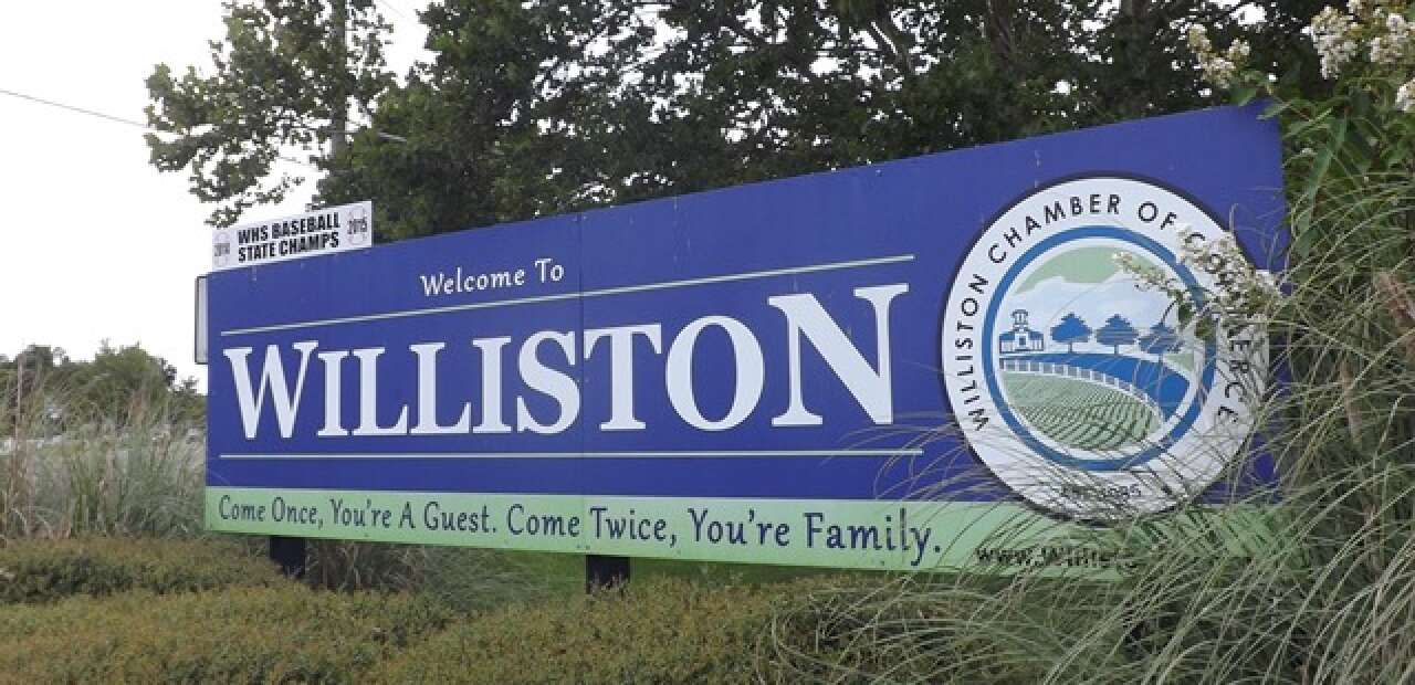 welcome to the Williston sign in Levi county