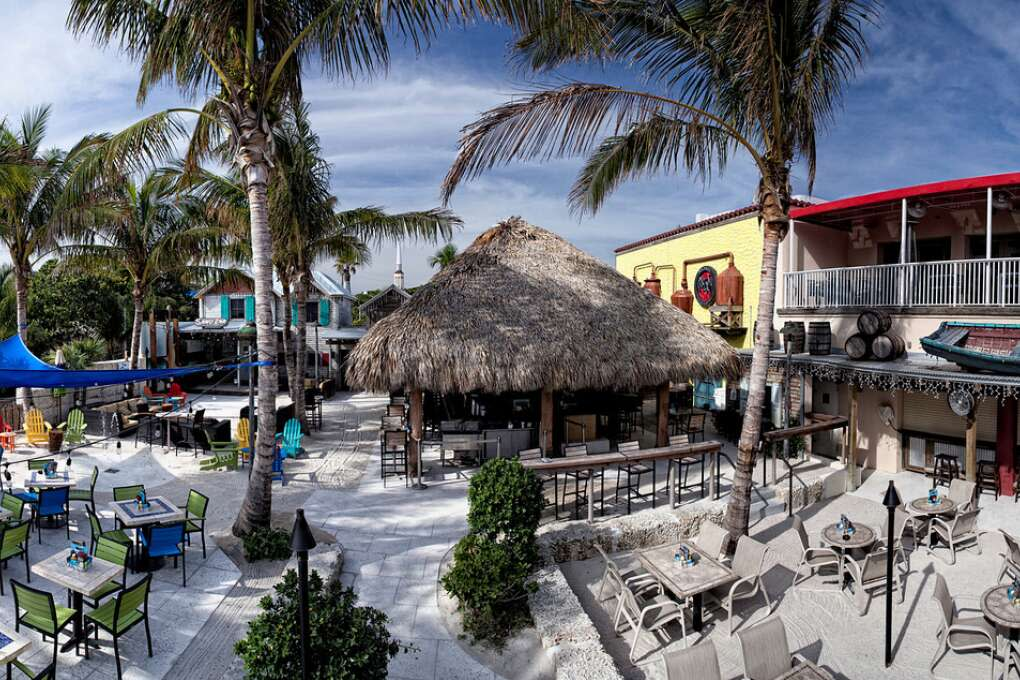 Things to do in Delray Beach - Dinning on a Tiki Bar
