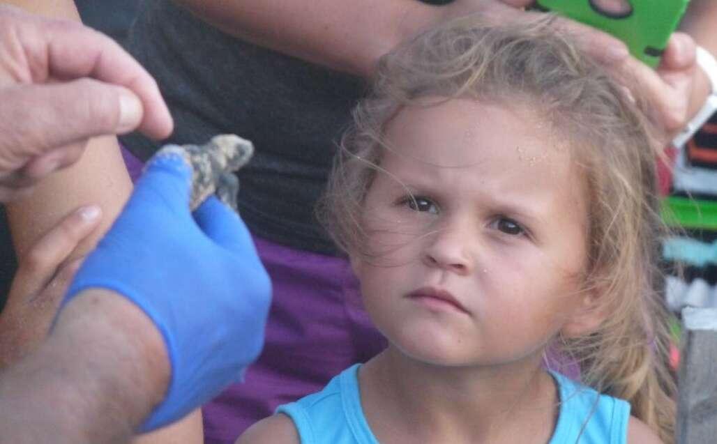 Flagler Beach turtle and lttle girl
