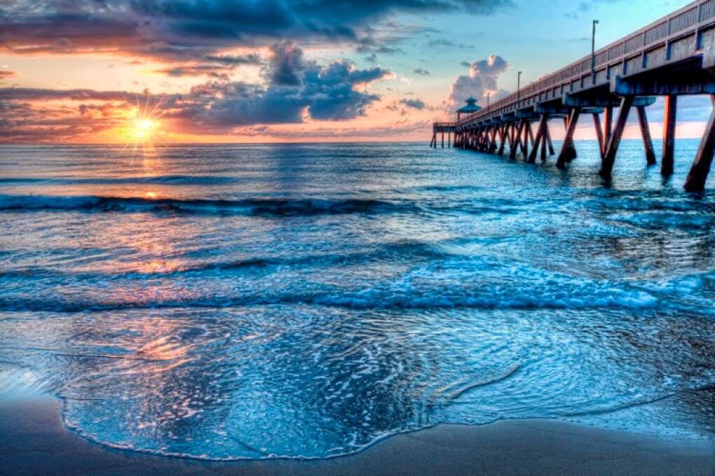 Sea, sun, sky - you get it all at Deerfield Beach Fishing Pier.