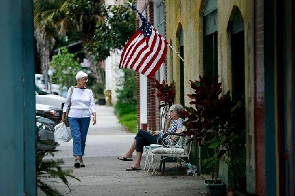 Shops on Cholokka Boulevard on Florida heritage highway
