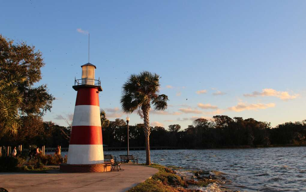 A 35-foot-high lighthouse, among the few freshwater lighthouses in the state, sits at the edge of Grantham Point Park on Mount Dora.