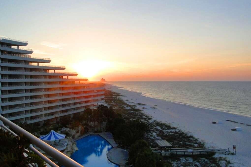 Pensacola_Beach_Sugar-Sand_Beaches_Blue_Angels_History_credit_Lauren_Tjaden (19)