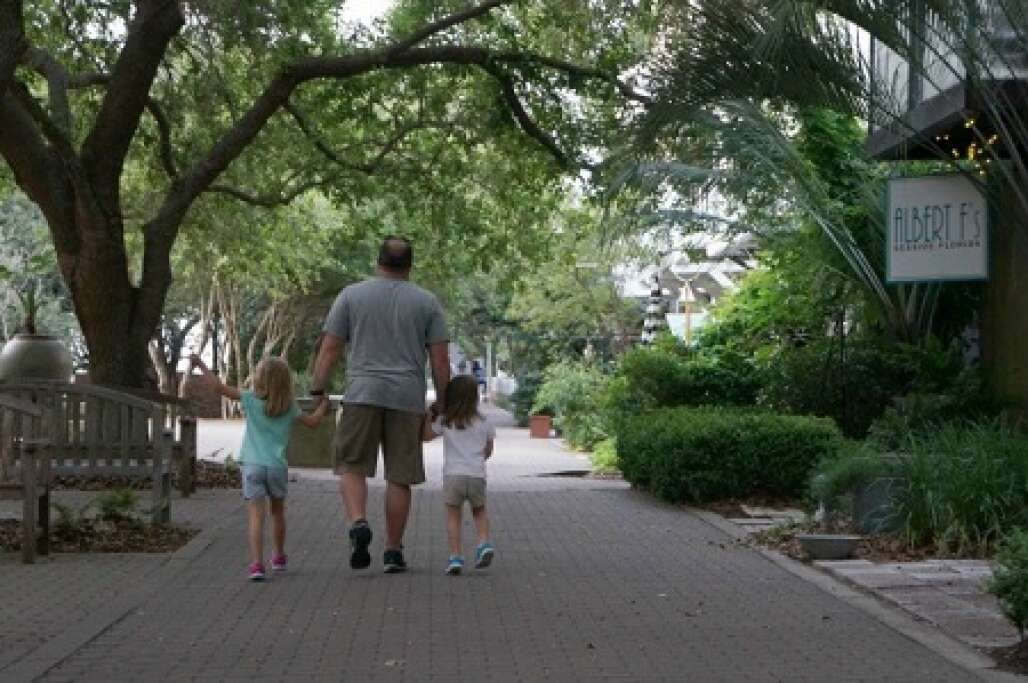 The tempo in Seaside is perfect for families.