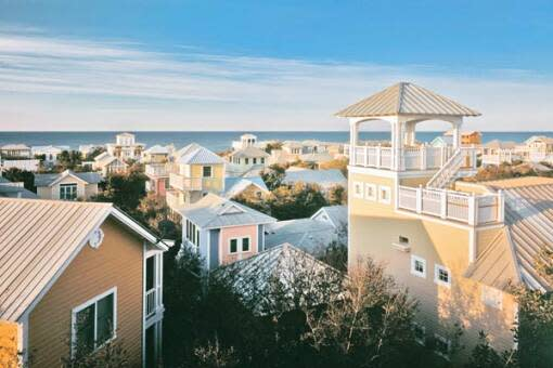 Discover all Seaside has to offer, including great restaurants, beaches and shopping.