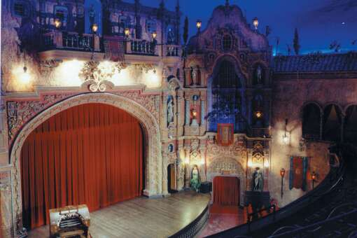 The Tampa Theatre plays art house, indepedent and foreign films, along with classic favorites. It also hosts a number of community events, including a summer camp for kids.