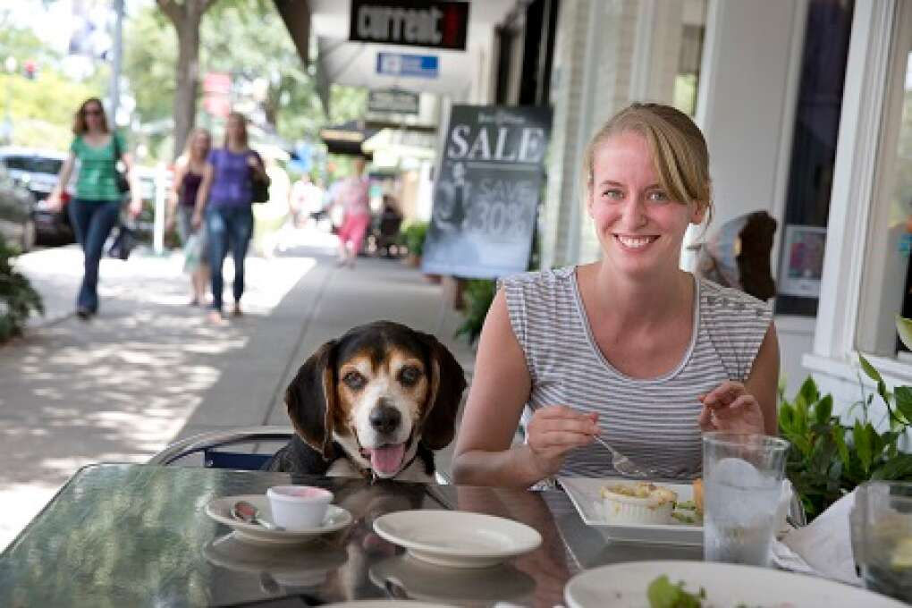 Sit and eat with your pooch in Winter Park, where dogs are welcome.