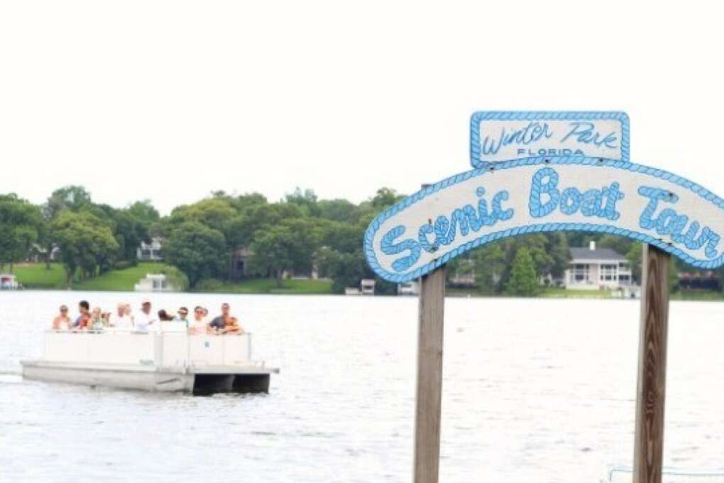 The Winter Park Scenic Boat Tour promises a beautiful look at Florida wildlife, landscapes, gorgeous mansions and lots of fun facts from the tour guide.