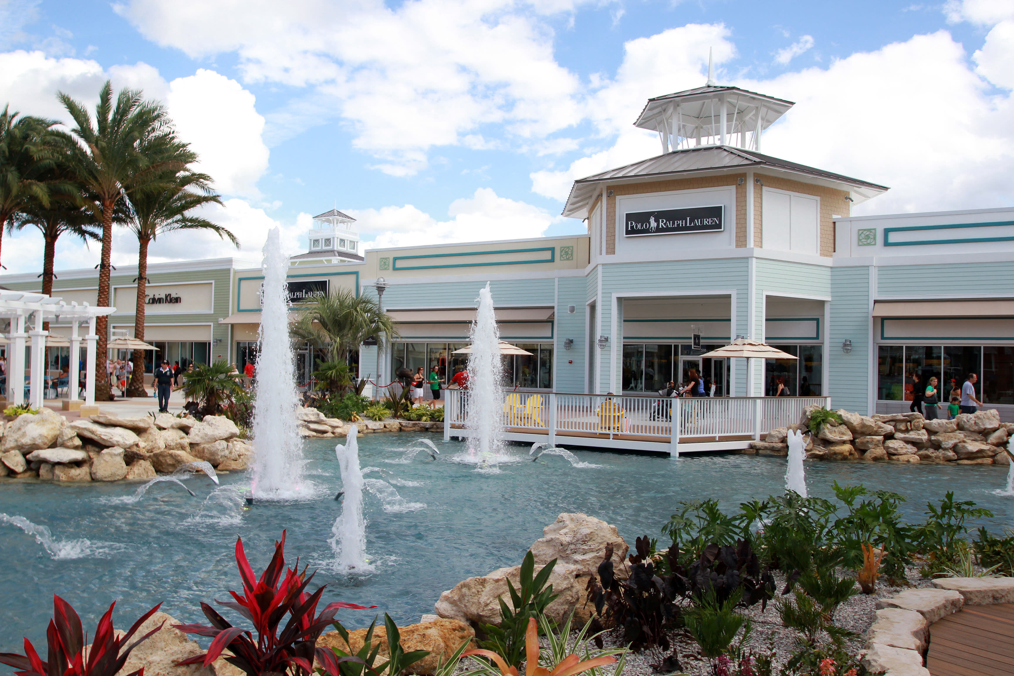 Fountains at Tampa Premium Outlets in Tampa, FL