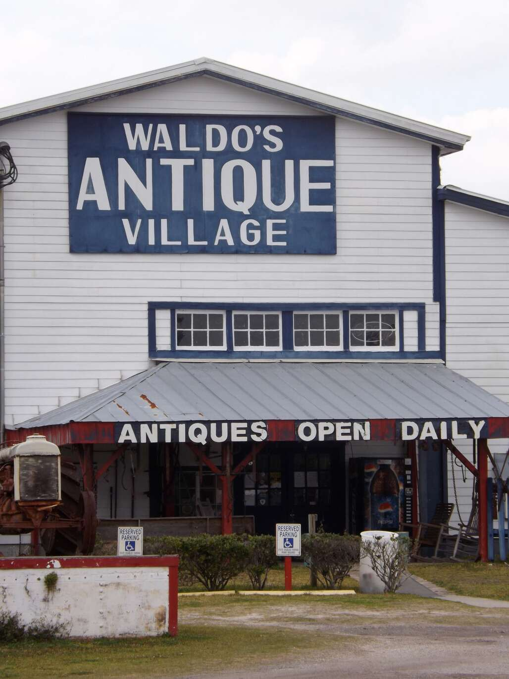 Waldo, northwest of Gainesville, was built upon a citrus industry that flagged with multiple freezes in the late 1800s. The burg got a boost in 1980 with the arrival of the Waldo Farmer's & Flea Market, a 50-acre complex featuring 900 dealers and a 20,000 square-foot antiques mall.