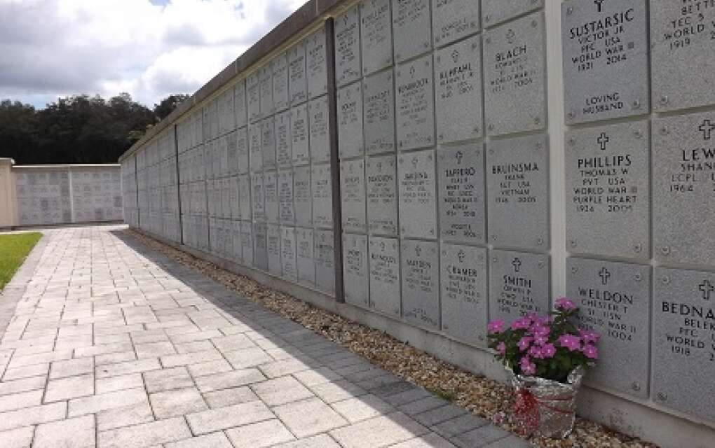 wall gravestones at Florida National Cemetery