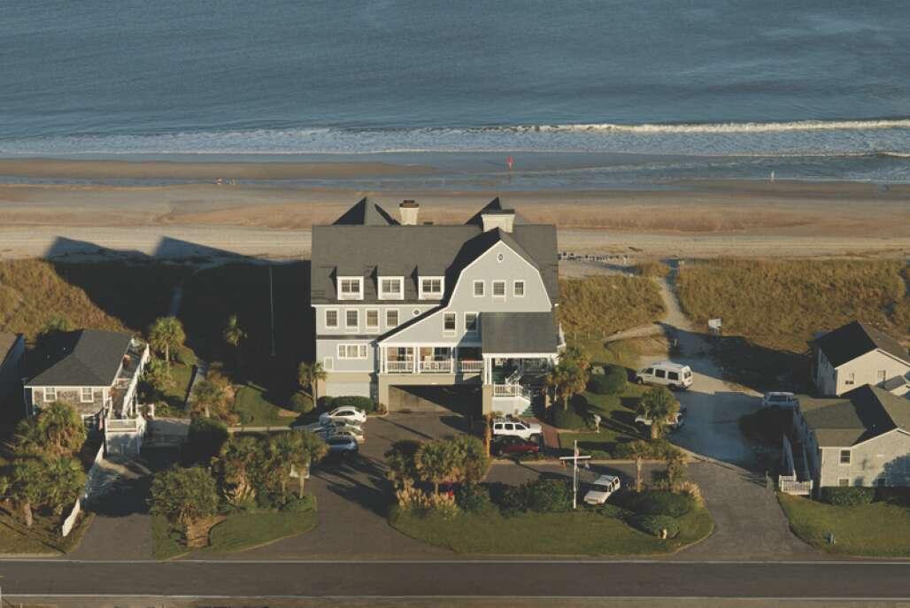 aerial view of Elizabeth Pointe Lodge